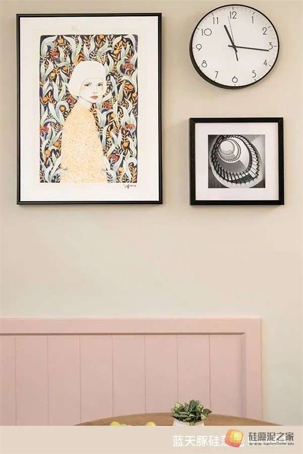 蓝天豚硅藻泥装修案例效果图:温馨、舒适、具有品质感的家居设计(图3)